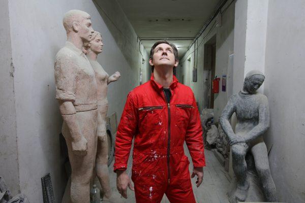 Скульптор Павел Игнатьев прочтет лекцию о мраморе среди мраморных плит